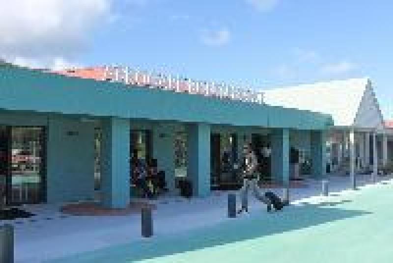 agence de location de voitures et d'utilitaires  SAINT-MARTIN Aéroport Grand Case
